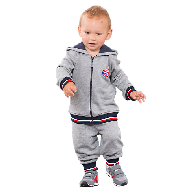 Buy NBA baby apparel at the Official Online Store of the NBA. Browse bestsupsm5.cf for the latest NBA gear, apparel, collectibles, and merchandise for men, women, and kids.