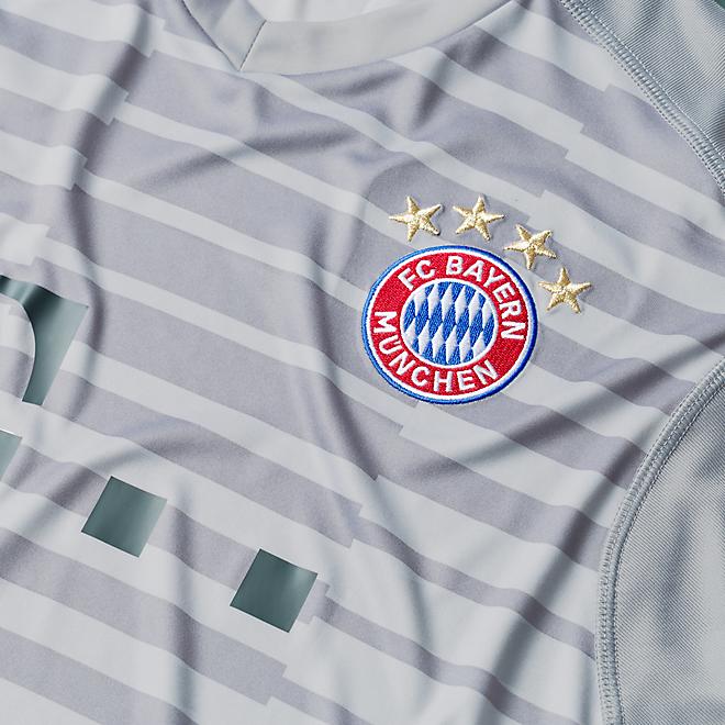 FC Bayern Goalkeeper Shirt 18/19