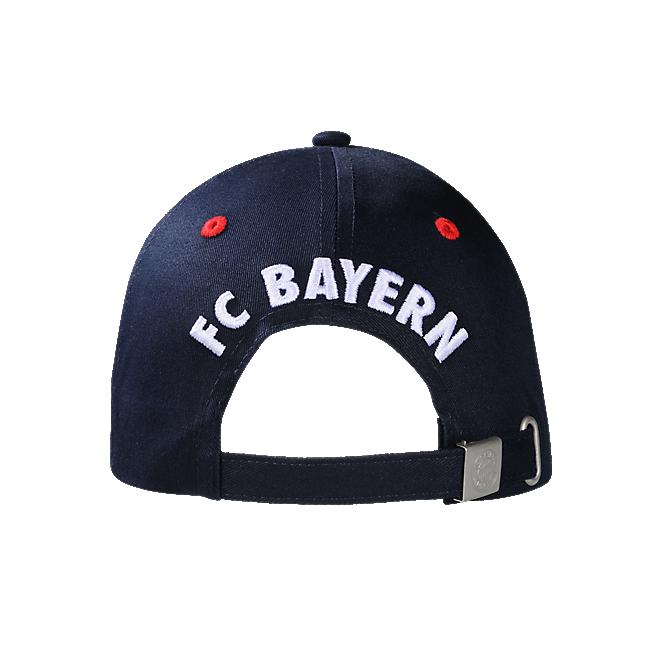 Player Cap Thiago