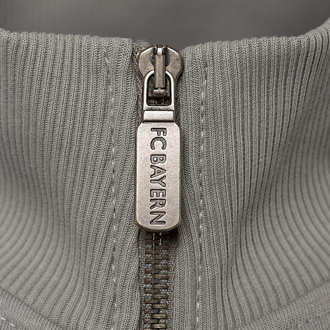 Sweat Jacket Emblem