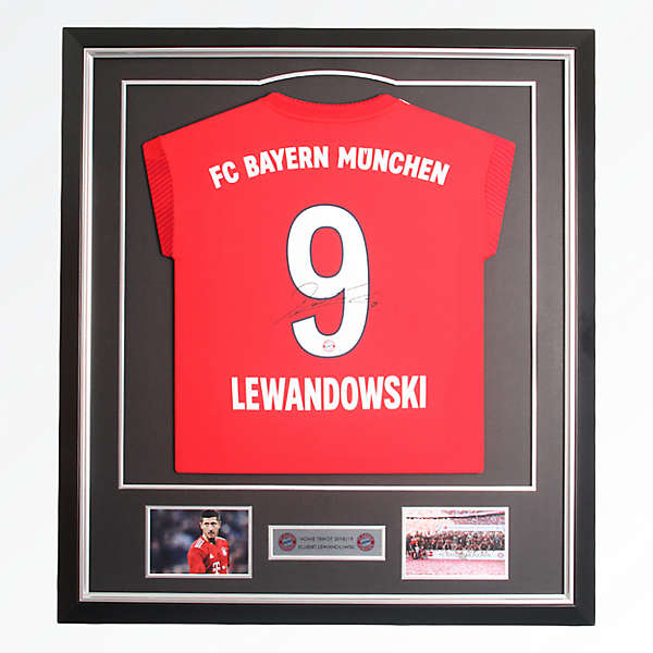 Framed Jersey Lewandowski