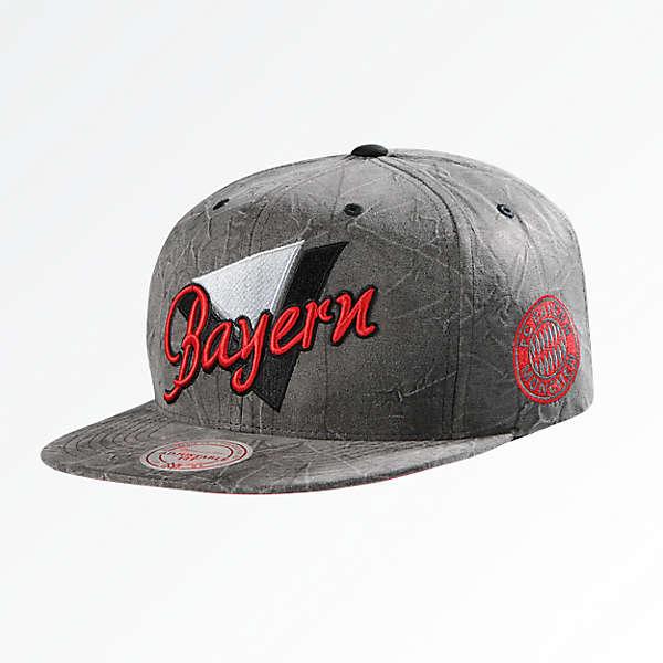 M&N Snapback Cap Triangle